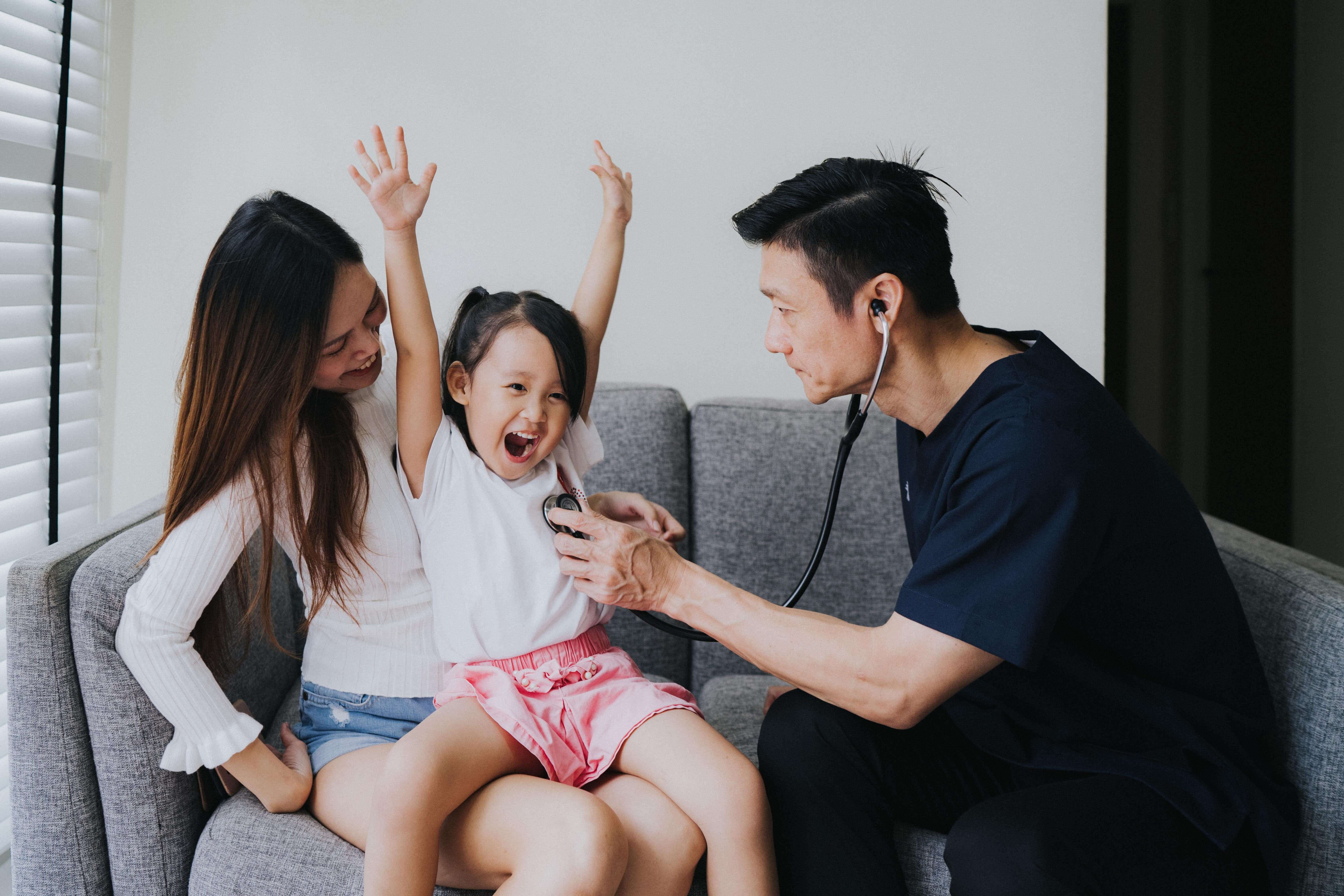 Why Expat Parents (and Their Kids) Love Speedoc's Housecall Services